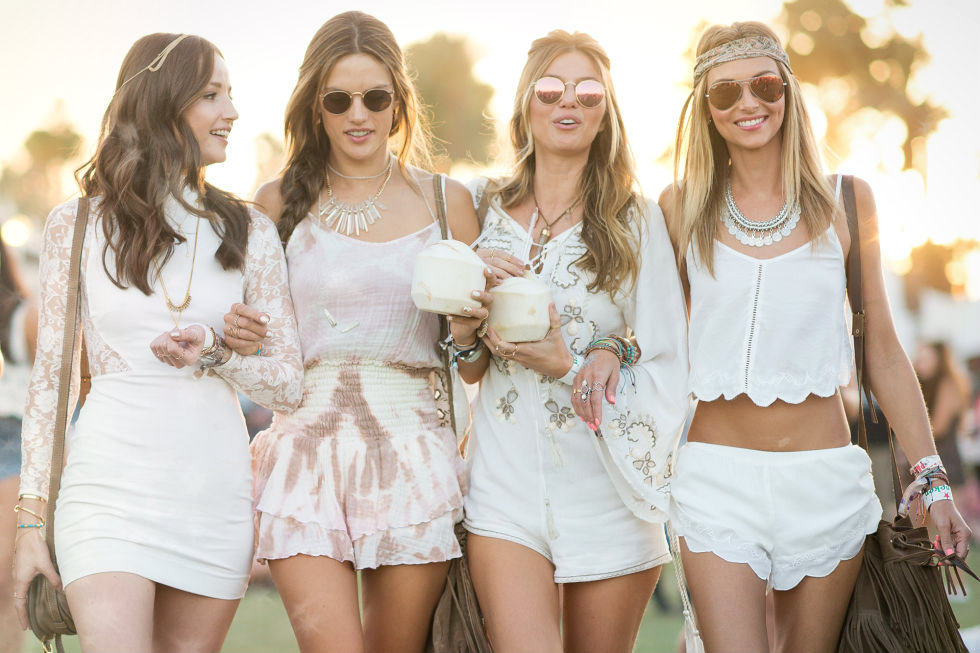 5 Noteworthy Ways to Casual Dress This Summer Using White